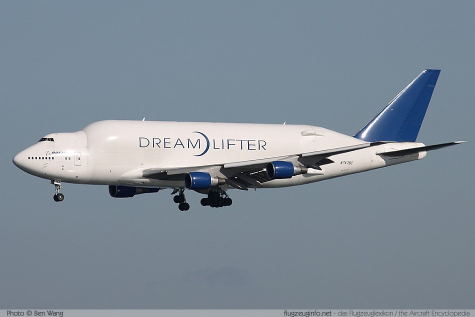 Boeing 747-400 LCF Large Cargo Freighter (Dreamlifter