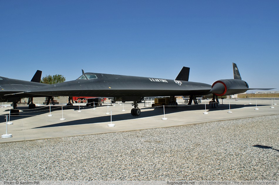 Lockheed A-12 - Specifications...