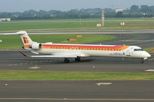 Bombardier CRJ1000 Air Nostrum EC-LJR DUS © Mike Vallentin
