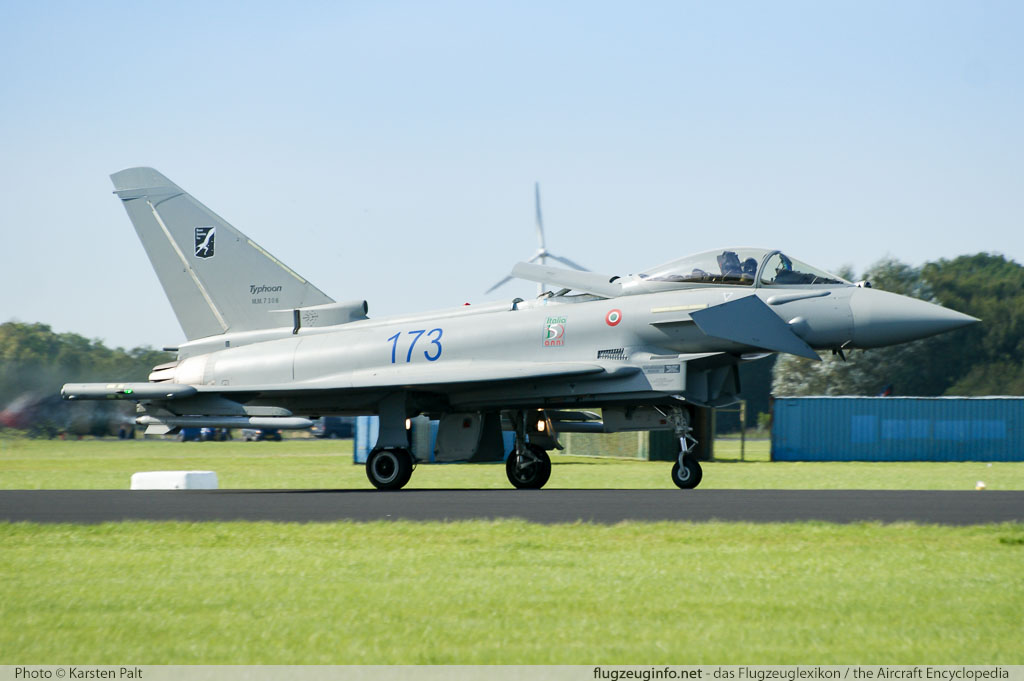 1:100 EF-2000 Eurofighter Typhoon Warcraft Flugzeug Eurofighter Typhoon Flugzeug