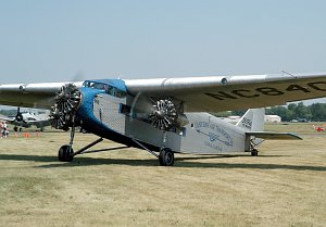 Ford 4-AT-E Trimotor, NC8407, c/n 4-AT-69 © Ralph M. Pettersen