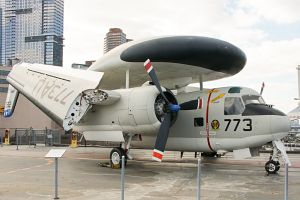 Grumman E-1B Tracer United States Navy 147212 AU-773 11 Intrepid Sea, Air & Spac © Karsten Palt