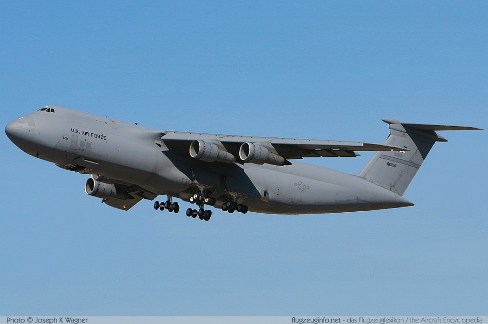 Lockheed C-5 Galaxy - Specifications
