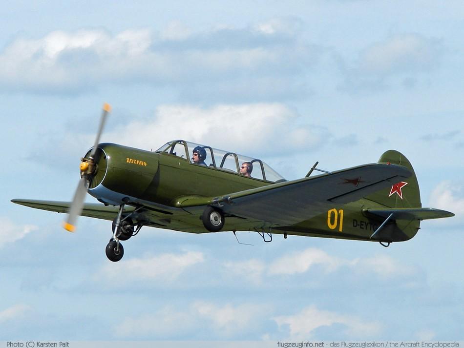 Jakowlew / Yakovlev Jak-18 / Y...