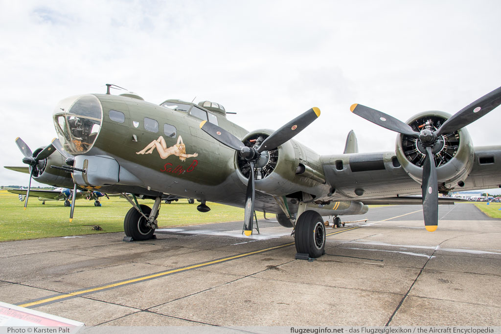 Boeing B-17G Flying Fortress (299P) B-17 Preservation Ltd. G-BEDF 8693 Flying Legends 2016 Duxford Aerodrome (EGSU / QFO) 2016-07-10 � Karsten Palt, ID 12936