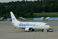 Boeing 737-377, BlueAir, YR-BAC, c/n 23653 / 1260,� Mike Vallentin, 2008