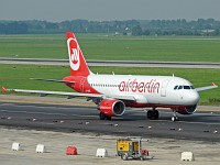 Airbus A319-112 Air Berlin D-ABGL 3586  Düsseldorf International (EDDL / DUS) 2008-08-16, Photo by: Karsten Palt