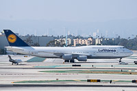 Boeing 747-830 Lufthansa D-ABYR 37842 / 1511  LAX International Airport (KLAX / LAX) 2015-06-01, Photo by: Karsten Palt