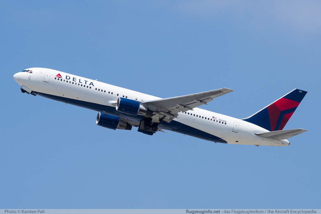 Boeing 767-332 Delta Air Lines N124DE 23438 / 189  LAX International Airport (KLAX / LAX) 2015-06-05 � Karsten Palt, ID 11531