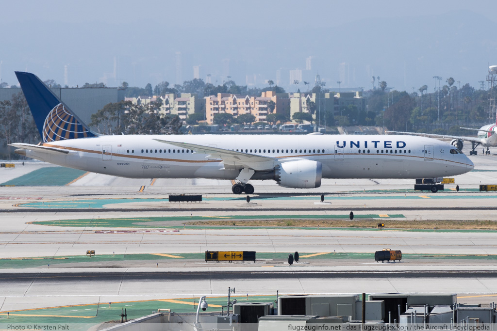 Boeing 787-9 Dreamliner United Airlines N19951 36402 / 223  LAX International Airport (KLAX / LAX) 2015-06-01 � Karsten Palt, ID 11490