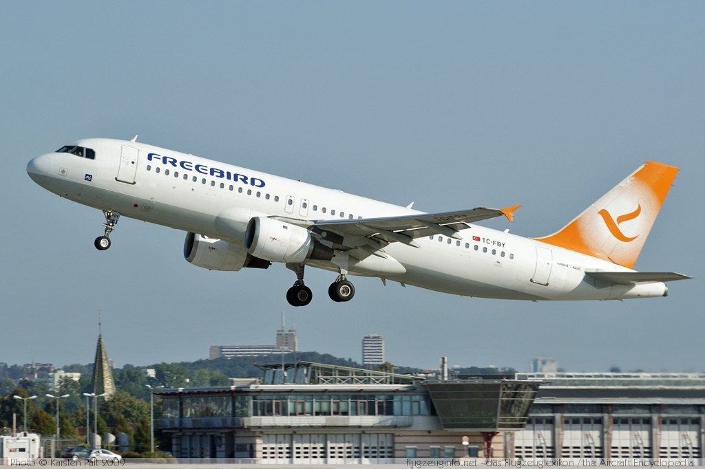 Airbus A320 211 Freebird Airlines Registrierung Tc Fby