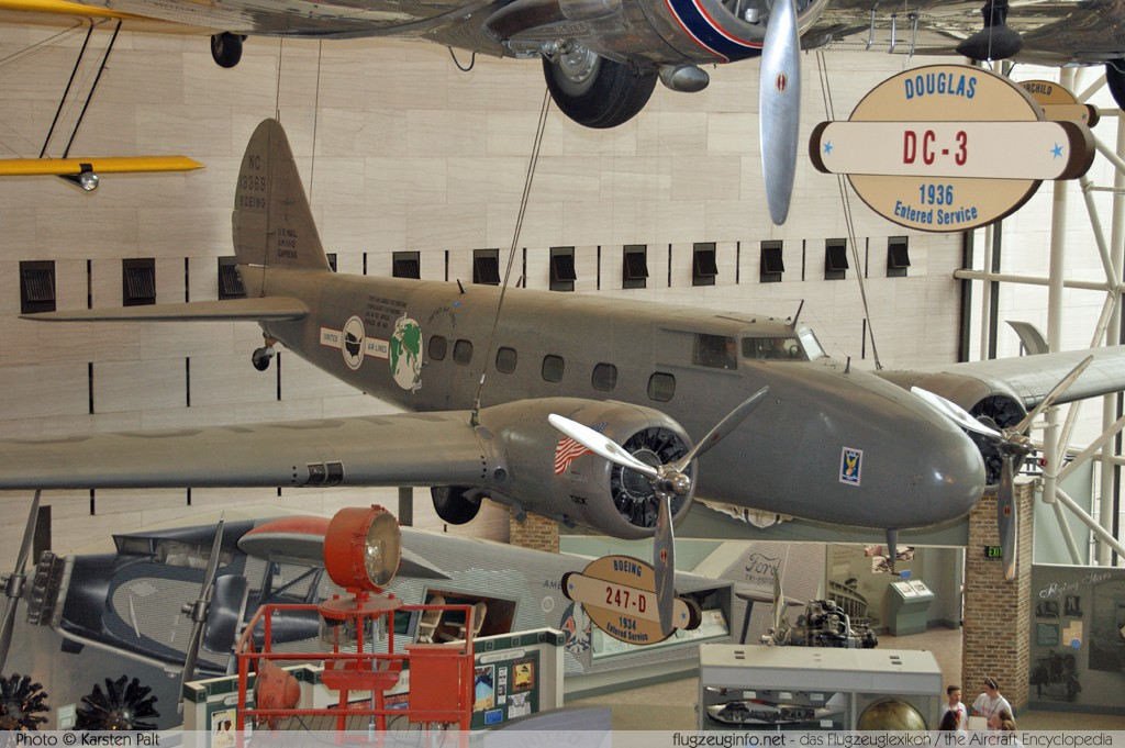 Boeing 247D United Airlines NC13369 1953 National Air and Space Museum Washington, DC 2014-05-28 � Karsten Palt, ID 10132