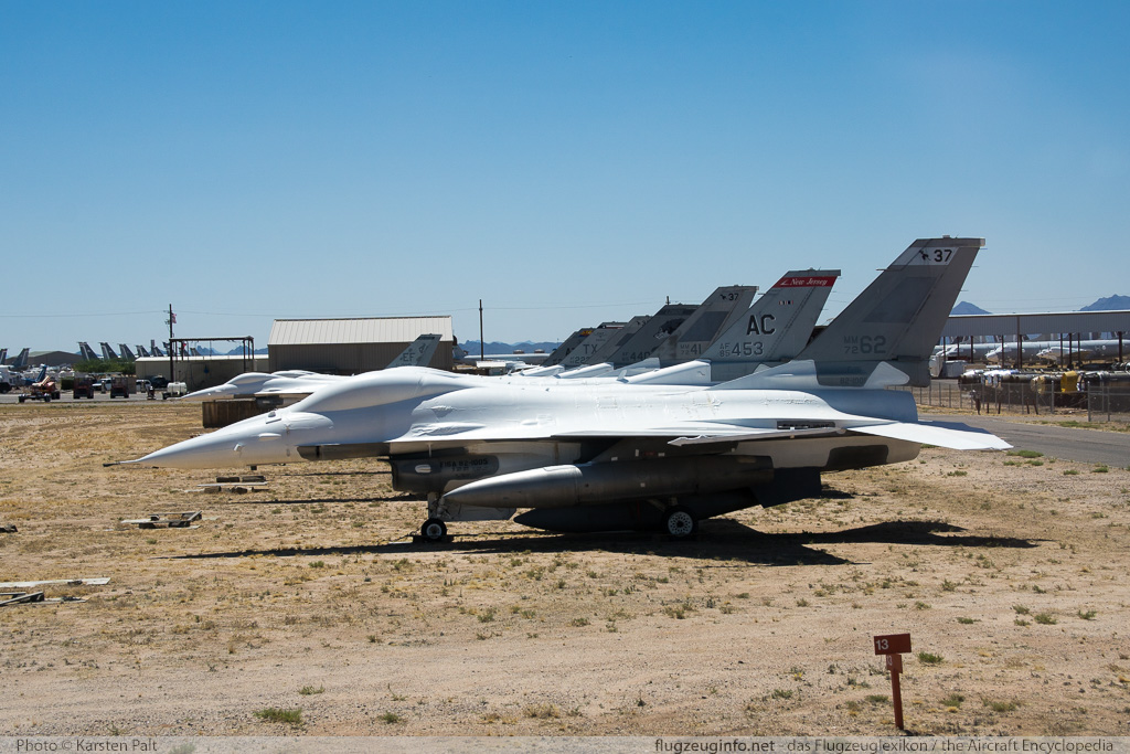 General Dynamics / Lockheed Martin F-16A United States Air Force (USAF) 82-1005 61-598 AMARG - Boneyard Tucson, AZ 2015-06-01 � Karsten Palt, ID 11379