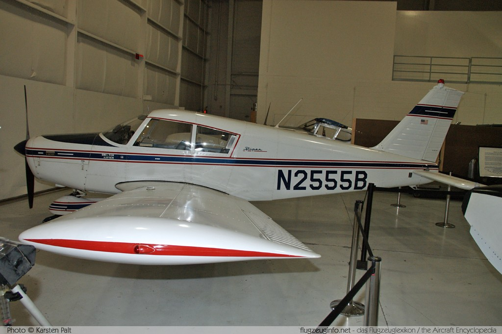 Piper PA-28-140B Cherokee Cruiser  N2555B 28-25678 Aviation Museum of Kentucky Lexington 2013-10-13 � Karsten Palt, ID 7698