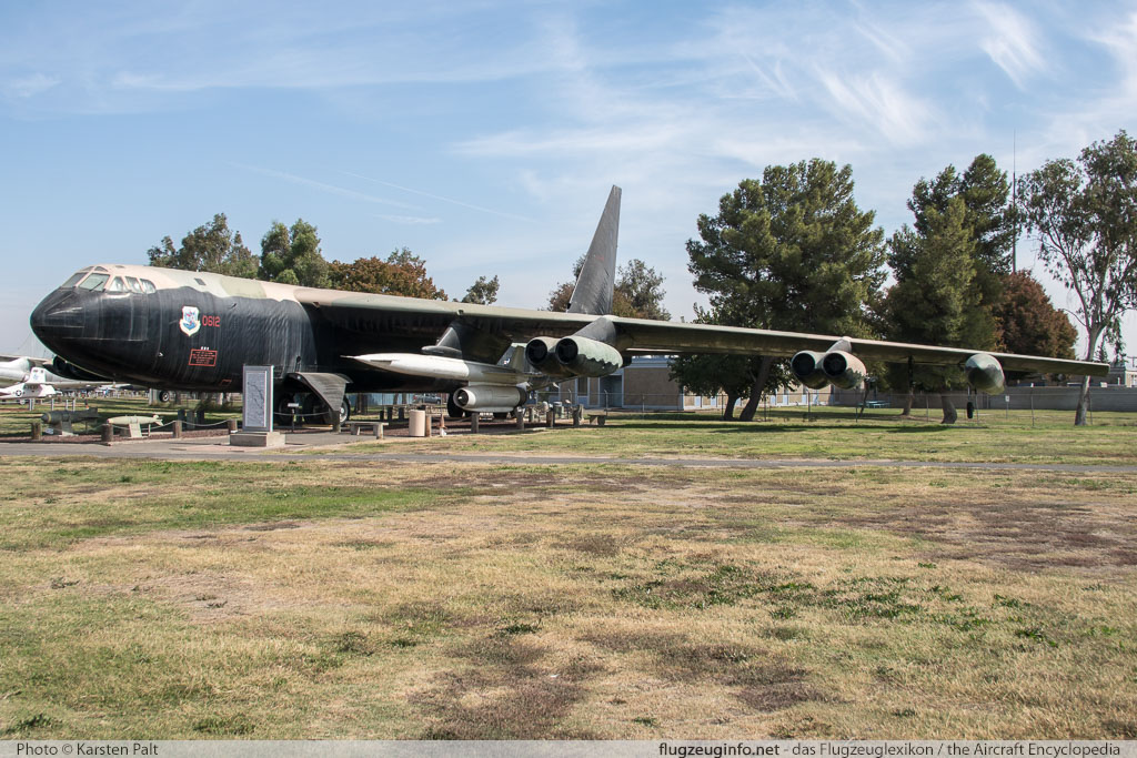 Boeing B-52D Stratofortress United States Air Force (USAF) 56-0612 17295 Castle Air Museum Atwater, CA 2016-10-10 � Karsten Palt, ID 13201