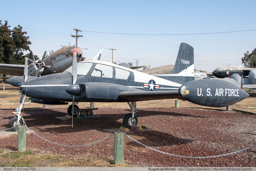 Cessna U-3A Blue Canoe (310A) United States Air Force (USAF) 57-5849 38004 Castle Air Museum Atwater, CA 2016-10-10 � Karsten Palt, ID 13210