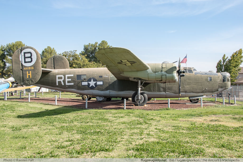 Consolidated B-24M Liberator United States Air Force (USAF) 44-41916 5852 Castle Air Museum Atwater, CA 2016-10-10 � Karsten Palt, ID 13213
