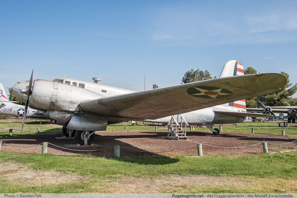 Douglas UC-67 Dragon United States Air Force (USAF) 39-0047 2733 Castle Air Museum Atwater, CA 2016-10-10 � Karsten Palt, ID 13230