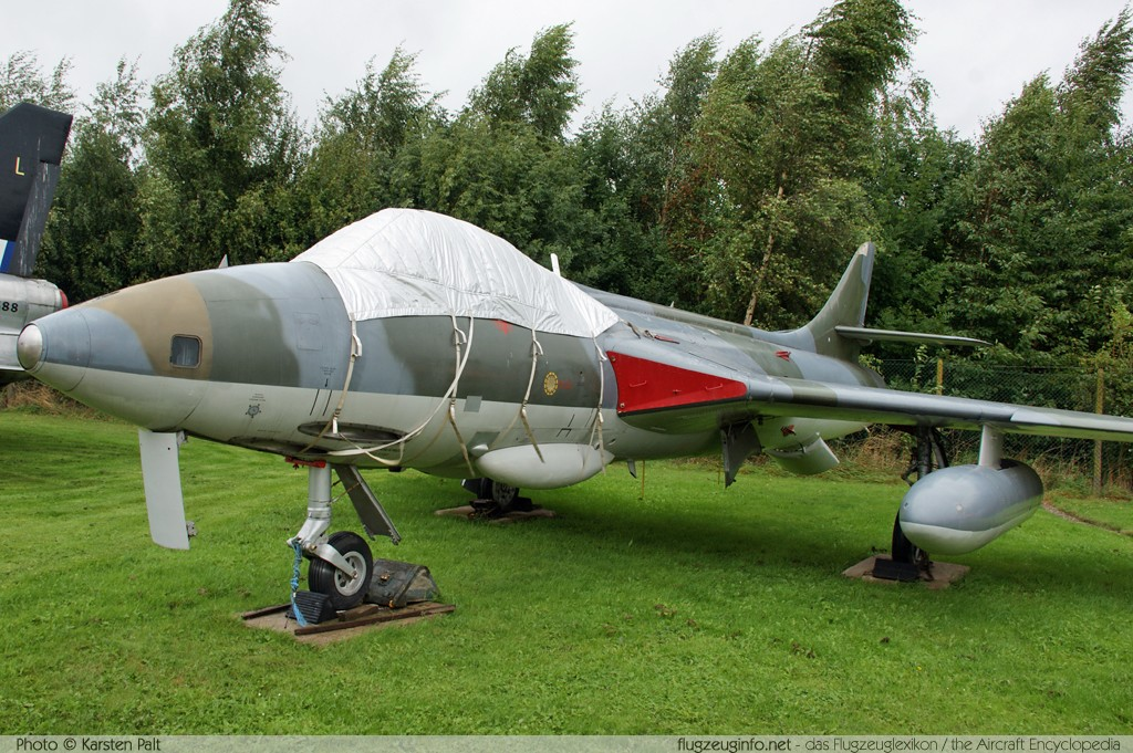 Hawker Hunter FR.10 Royal Air Force   East Midlands Airport Aeropark Castle Donington 2013-09-19 � Karsten Palt, ID 7664