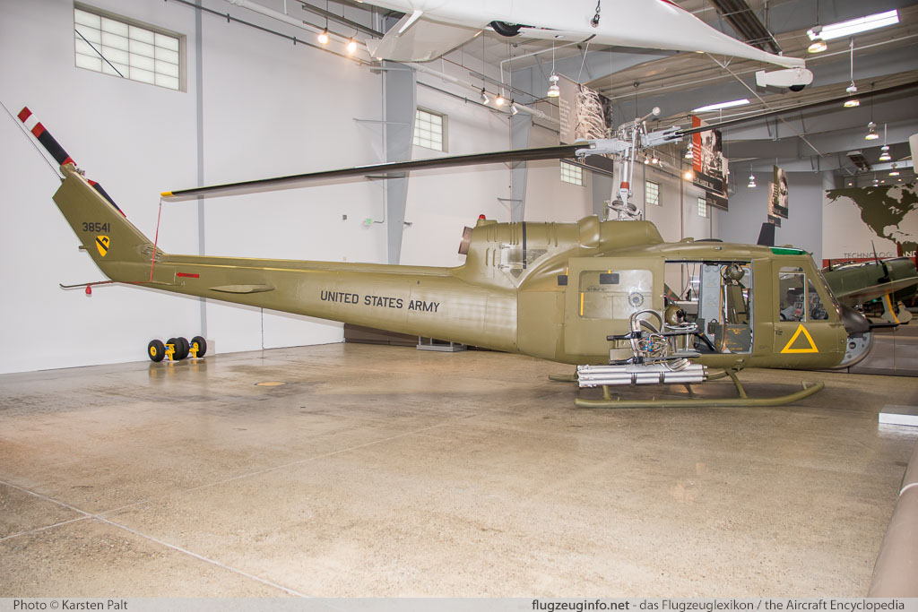 Bell Helicopter 204 UH-1B Iroquois United States Army 63-08541 763 Flying Heritage Collection Everett, WA 2016-04-12 � Karsten Palt, ID 12349
