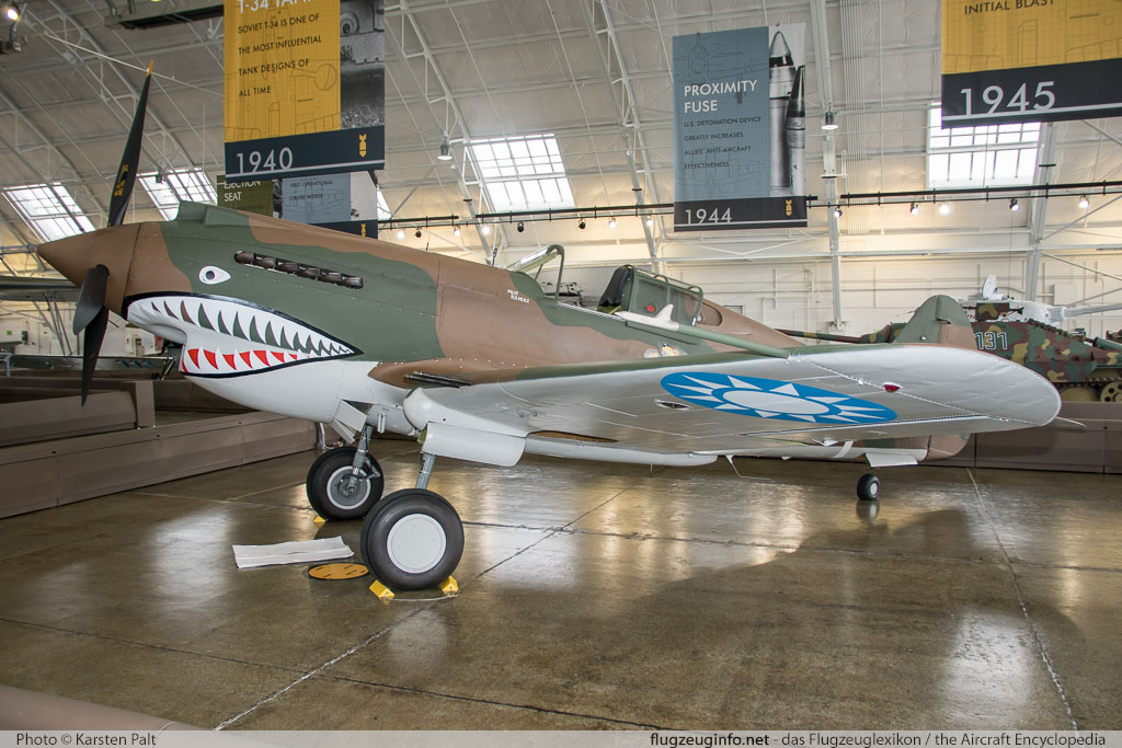Curtiss P-40C Tomahawk Flying Heritage Collection NX2689 16194 Flying Heritage Collection Everett, WA 2016-04-12 � Karsten Palt, ID 12354