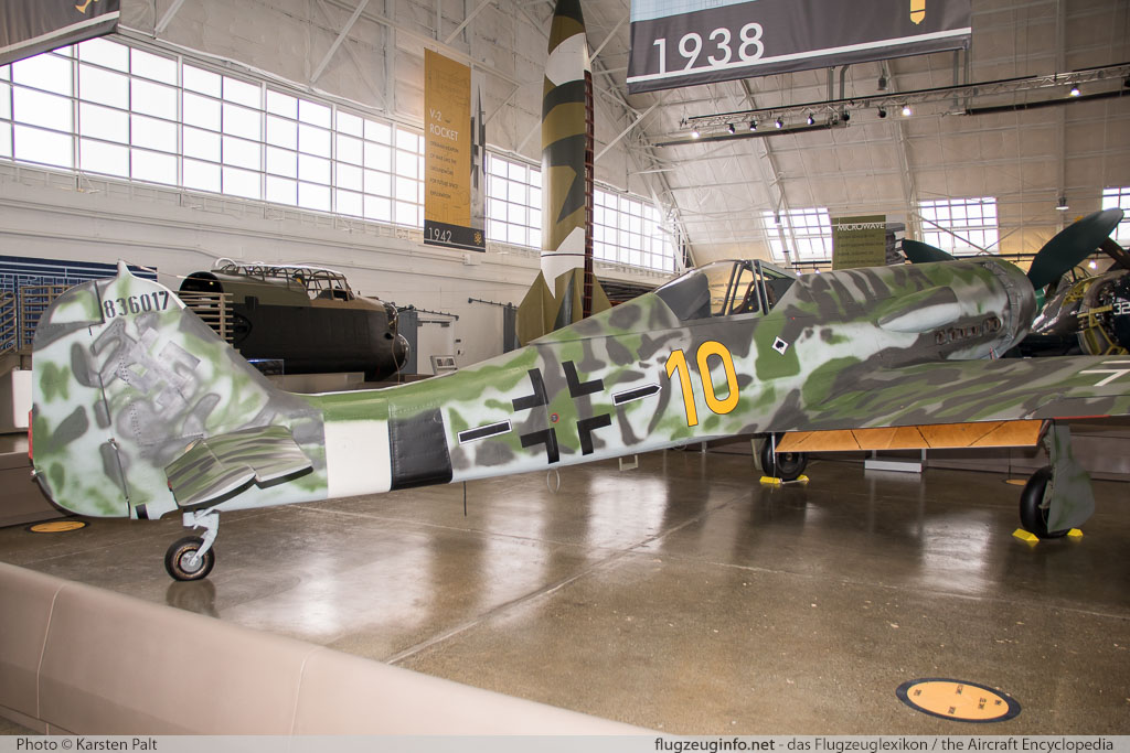 Focke-Wulf Fw 190D-13 Flying Heritage Collection N190D 836017 Flying Heritage Collection Everett, WA 2016-04-12 � Karsten Palt, ID 12359