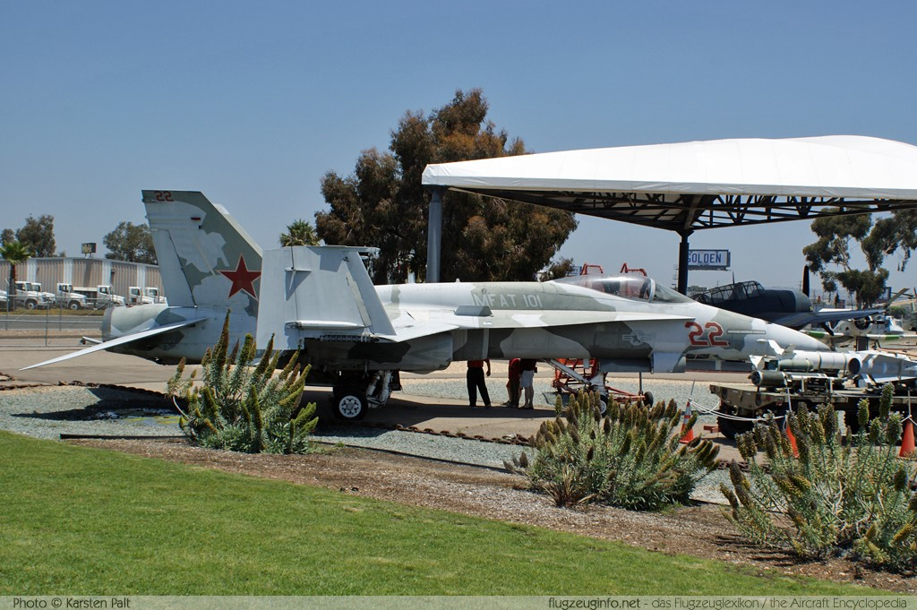 McDonnell Douglas / Boeing F/A-18A Hornet United States Marine Corps (USMC) 163152 0576/A483 Flying Leatherneck Aviation Museum San Diego, CA 2012-06-13 � Karsten Palt, ID 5904