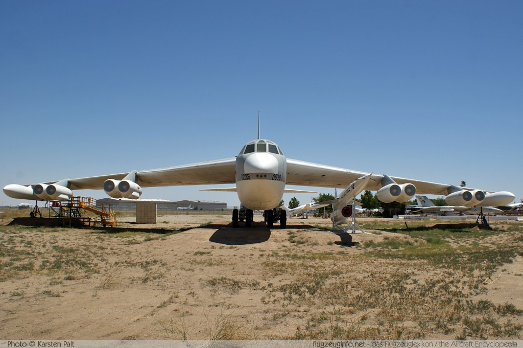 Boeing B-52F Stratofortress United States Air Force (USAF) 57-0038 17432 Joe Davies Heritage Airpark Plant 42 Palmdale, CA 2012-06-10 � Karsten Palt, ID 5820