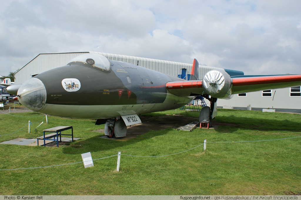 BAC / English Electric Canberra PR.3 Royal Air Force WF922 EEP71227 Midland Air Museum Coventry 2013-05-17 � Karsten Palt, ID 6837