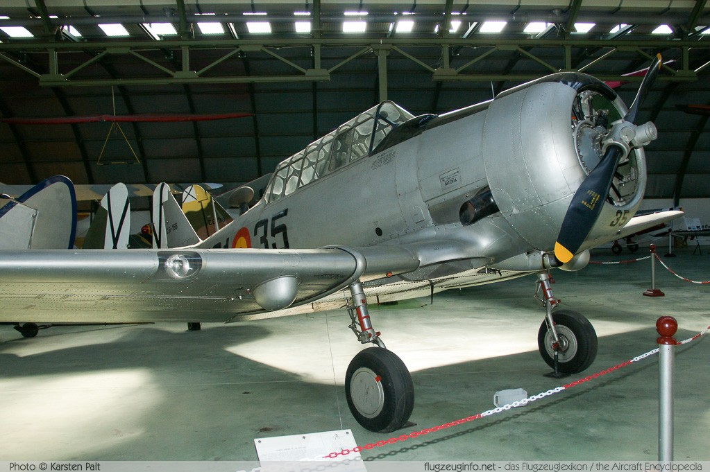 North American SNJ-5 Texan Spanish Air Force C.6-155 121-41833 Museo del Aire Madrid 2014-10-23 � Karsten Palt, ID 10722