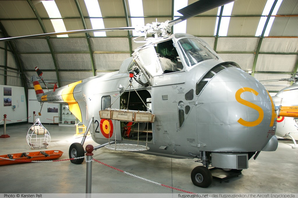 Westland WS-55 Whirlwind Series 2 Spanish Air Force ZD.1B-22 WA560 Museo del Aire Madrid 2014-10-23 � Karsten Palt, ID 10745