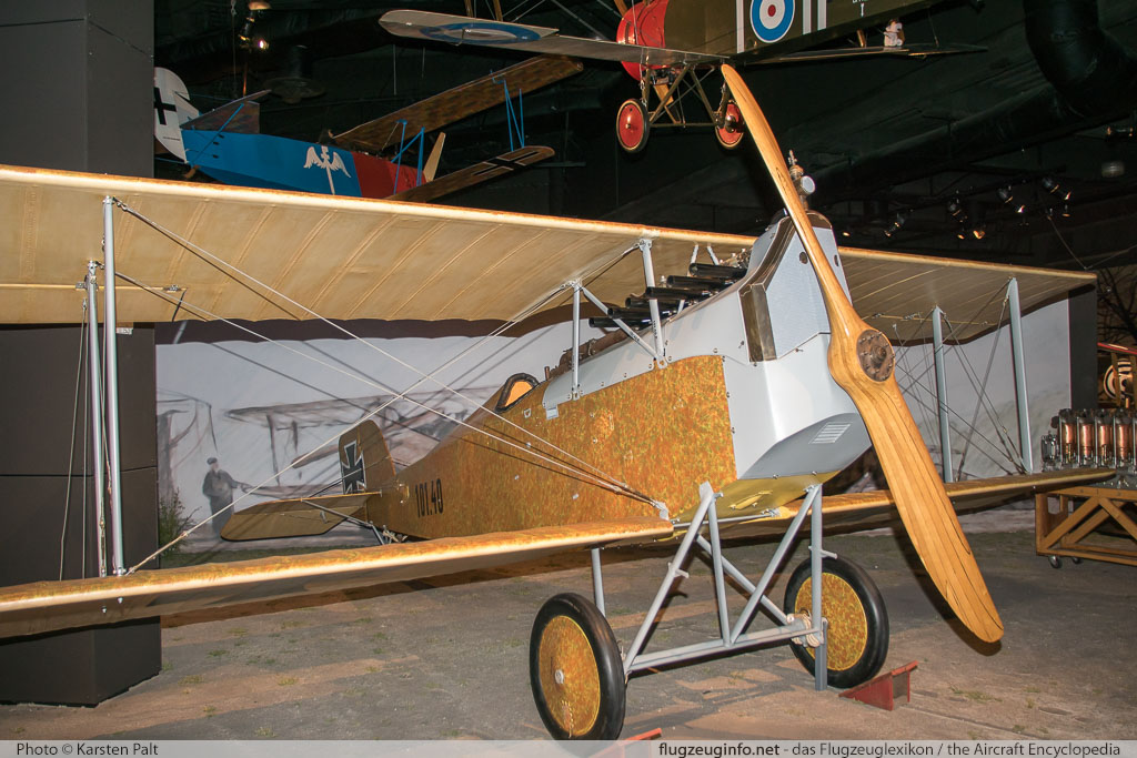 Aviatik D.I k.u.k. Fliegertruppen 101.40  Museum of Flight Seattle, WA 2016-04-12 � Karsten Palt, ID 12393