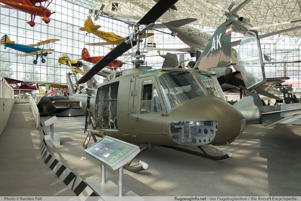 Bell Helicopter 205 UH-1H Iroquois United States Army 69-15140 11428 Museum of Flight Seattle, WA 2016-04-12 � Karsten Palt, ID 12396
