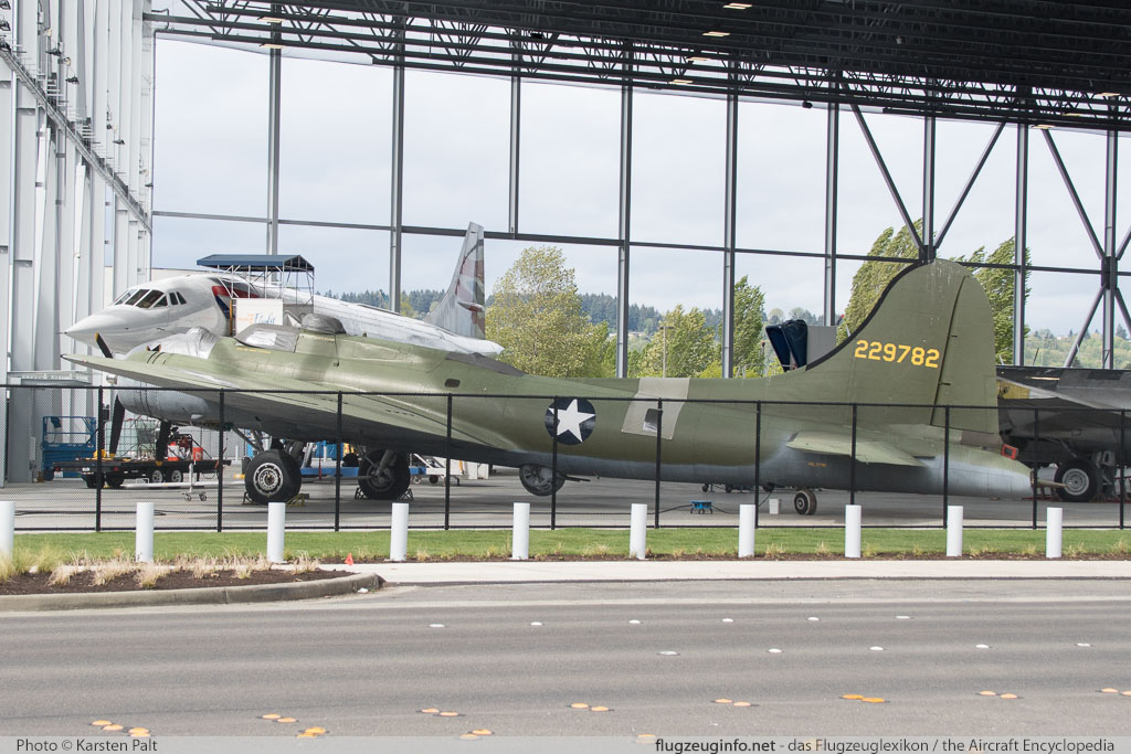 Boeing B-17F Flying Fortress (299P) United States Army Air Forces (USAAF) 42-29782 4896 Museum of Flight Seattle, WA 2016-04-12 � Karsten Palt, ID 12409