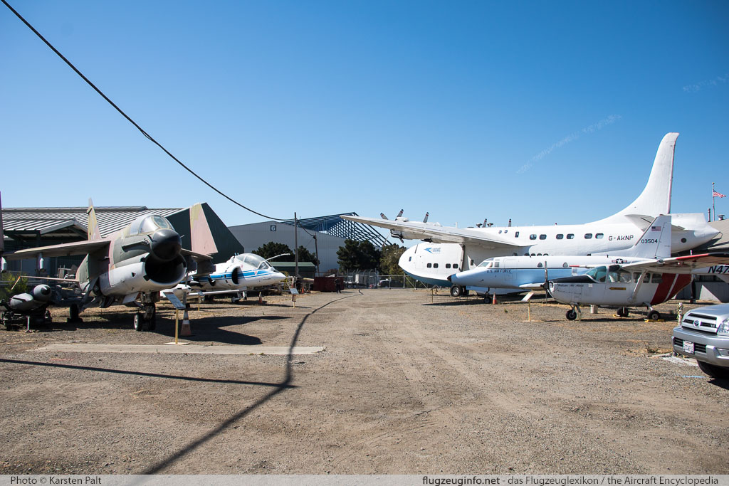 Oakland Aviation Museum Oakland, CA 2016-10-09 � Karsten Palt, ID 13177