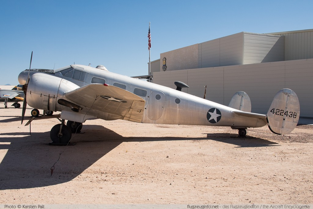 Beech AT-7 Navigator United States Army Air Forces (USAAF) 42-2438 4260 Pima Air and Space Museum Tucson, AZ 2015-06-03 � Karsten Palt, ID 10885