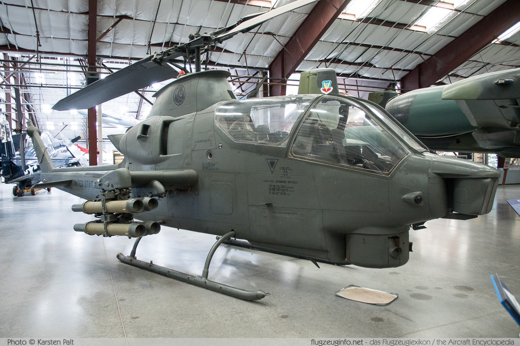 Bell Helicopter AH-1S Cobra United States Army 70-15985 20929 Pima Air and Space Museum Tucson, AZ 2015-06-03 � Karsten Palt, ID 10897