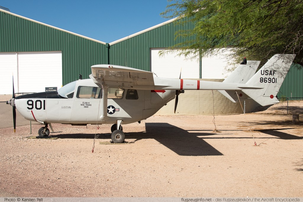 Cessna O-2A Skymaster United States Air Force (USAF) 68-6901 337M-0190 Pima Air and Space Museum Tucson, AZ 2015-06-03 � Karsten Palt, ID 10945
