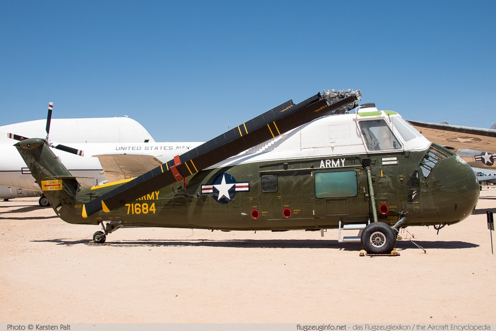 Sikorsky VH-34C Choctaw United States Army 57-1684 58-0790 Pima Air and Space Museum Tucson, AZ 2015-06-03 � Karsten Palt, ID 11203