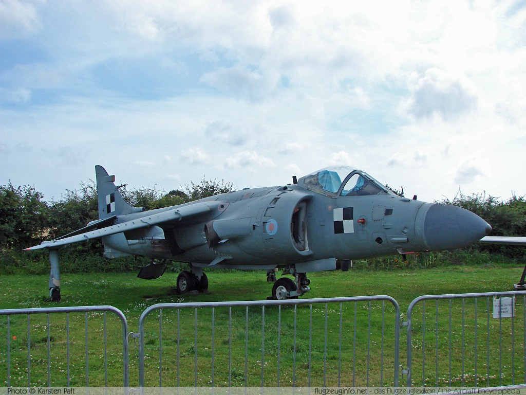 BAe Sea Harrier FRS2 Royal Navy ZA195 912034/DB1 Tangmere Military Aviation Museum Tangmere 2008-07-10 � Karsten Palt, ID 1057