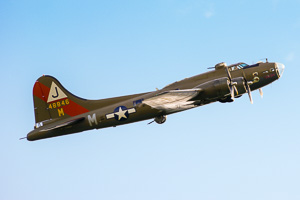 Boeing B-17G Flying Fortress F-AZDX 48846 / M-DS © Karsten Palt