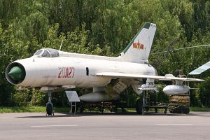Shenyang J-8A, People
