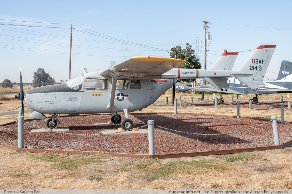 Cessna O-2A Skymaster United States Air Force (USAF) 67-21413 337M-0119 Castle Air Museum Atwater, CA 2016-10-10 � Karsten Palt, ID 13208