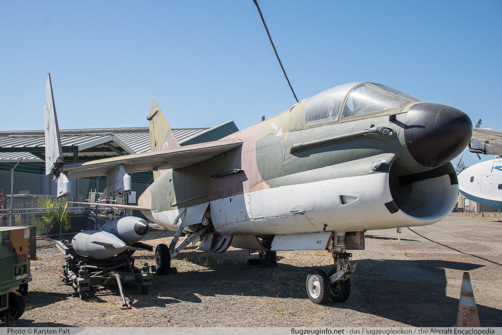 Ling-Temco-Vought LTV A-7E Corsair II United States Navy 159301 E-439 Oakland Aviation Museum Oakland, CA 2016-10-09 � Karsten Palt, ID 13179