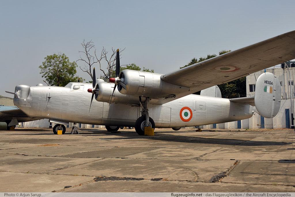 Consolidated B-24 Liberator Indian Air Force HE924 1508  Indira Gandhi International Airport (VIDP / DEL) 2014-04-19 � Arjun Sarup, ID 13058
