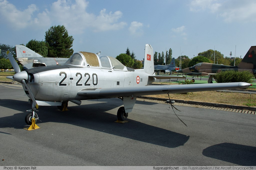 Beech (CCF) T-�A Mentor Turkish Air Force 54-5220 CCF34-24 Turkish Air Force Museum Yesilkoy, Istanbul 2013-08-16 锟� Karsten Palt, ID 7637